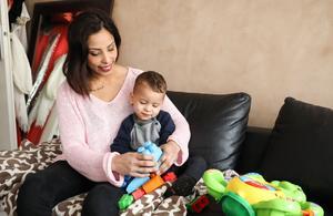 Les Mamans accueille une nouvelle mère courage, handicapée, sur 6ter