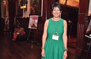 Affaire Epstein: qui est Ghislaine Maxwell, rabatteuse présumée et introuvable âme damnée