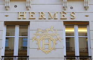 Hermès International plus que solide dans la tourmente