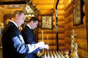 Medvedev et Poutine en 2010.