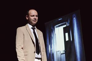 Stéphane Olivié-Bisson met en scène etdonne à entendre «Les Carnets d'AlbertCamus».