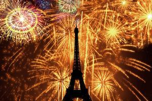 Pleins feux sur la tour Eiffel, jeudi à 20h50 sur RMC Découverte.