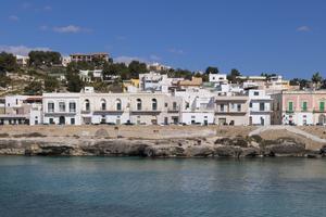 Vue de la plage de Santa Caterina.