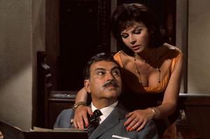 Nadja Regin avec Pedro Armendariz dans «Bons baisers de Russie» en 1963.