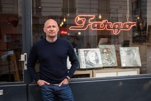 Michel Pampelune, fondateur du label discographique Fargo et à la tête du disquaire éponyme, rue de Chanzy (XX <sup>e</sup>).