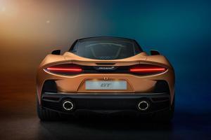Le V8 4 litres de la GT revendique une puissance de 620 ch.