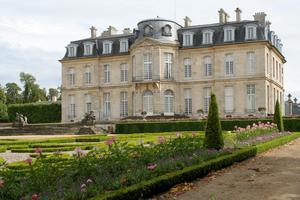 Les visiteurs danseront dans les jardins de Champs-sur-Marne, en Seine-et-Marne, samedi soir.