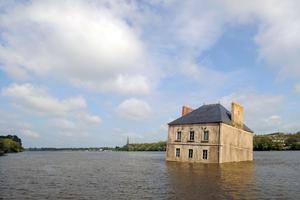 <i>La Maison dans la Loire</i>, de Jean-Luc Courcoult, à Couëron