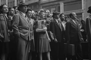 Les New Yorkais suivent les événements sur les panneaux lumineux de Times Square le 6 juin 1944.