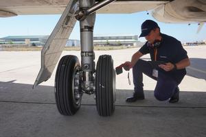 Le premier pneu aéronautique connecté. Crédit: Michelin/Safran