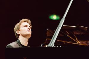 Le pianiste Alexandre Tharaud a imaginé  <br/>une programmation autour du mythe  <br/>de Versailles, à la Philharmonie de Paris.