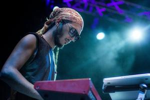Shadi Khries, DJ jordanien, est convaincu que la musique est intimement liée à l'environnement dans lequel elle est conçue. © Mehdi Drissi