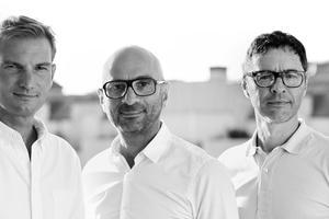 Les fondateurs, Thomas Grellier (à gauche), Daniel Findikian (au milieu) et                                                                                    Bernard Sizey (à droite) sont tous issus de l'industrie de la musique et du jeu vidéo. .