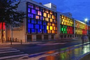 La façade colorée de l'Esad.