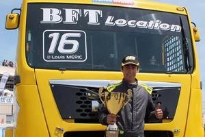 Louis Méric est propriétaire de son camion, qui mesure 2,5m de large. Cc Louis Méric