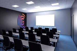 Une salle de cours du Gaming campus.