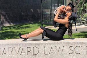 Briana et sa fille Evelyn à Harvard.