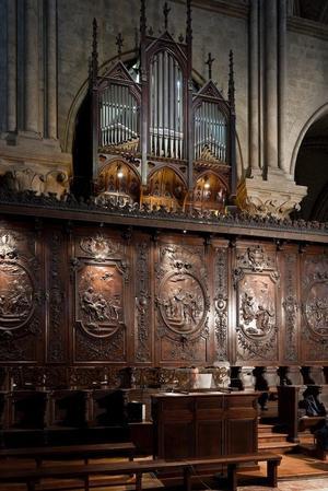 Datant du début du XIXe siècle, l'orgue de chœur est l'instrument des offices quotidiens.