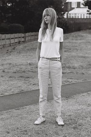 En moins de sept ans, Lucy Rose a sorti quatre albums.