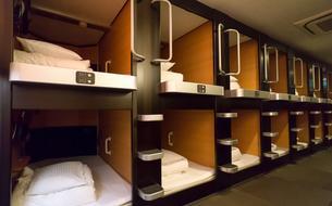 À Barcelone, des logements «capsules» à faibles loyers font polémique