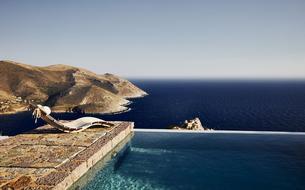 Dans le Péloponnèse: une sentinelle sur l'Égée