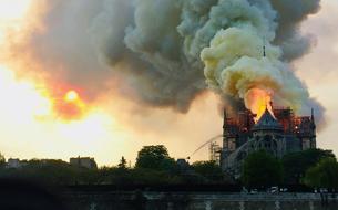 Notre-Dame de Paris: incendie maîtrisé, piste accidentelle privilégiée... Ce que l'on sait