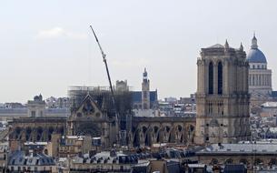Notre-Dame: trois éléments majeurs de la structure de la cathédrale menacent de tomber