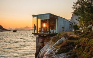 4 cabanes automnales au bord de l'eau