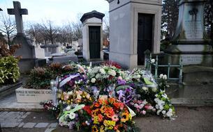 Cinq ans après les attentats de <i>Charlie Hebdo</i>, la tombe de Wolinski a-t-elle été dégradée volontairement?