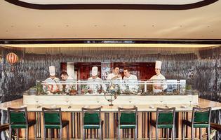 Le restaurant la Langosteria au 7e étage de l'hôtel Cheval Blanc (Paris 1 <sup>er</sup>).