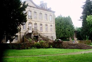 Après les squatteurs, des voleurs ont visité le château pour le déposséder de ses objets.