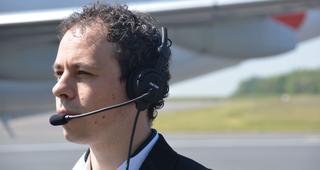Le casque pour pilote de nouvelle génération créé par Factem. Crédit: Factem