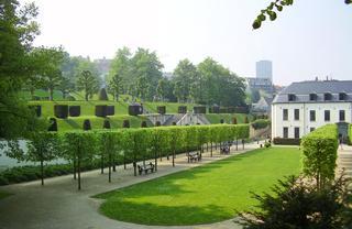 L'école de La Cambre prend place dans une abbaye du XVIIIe siècle.