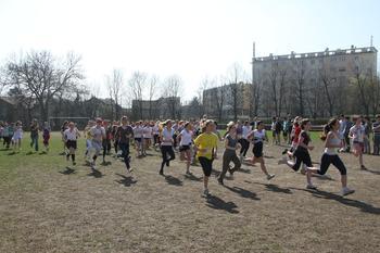 Le sport tient une grande place dans la vie de l'établissement (ici le cross de Ginette). .
