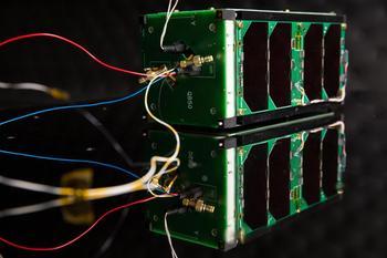 X-CubeSat est constitué de deux cubes de 10cm d'arête