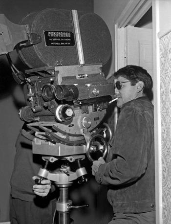 Jean-Pierre Mocky sur le tournage de «La bourse et la vie» (1965).