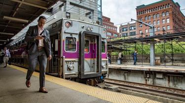 À Boston, Keolis a remis les trains de banlieue sur les rails