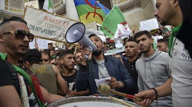 Algérie : neuvième vendredi de manifestation contre le pouvoir