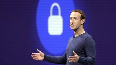 Mark Zuckerberg fait évoluer son modèle sous la contrainte