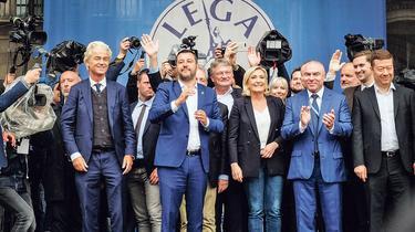 Milan: le meeting de Matteo Salvini parasité par la crise autrichienne