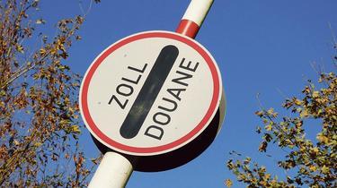 Ces banques suisses qui conseillent à leurs cadres de ne pas vivre en France