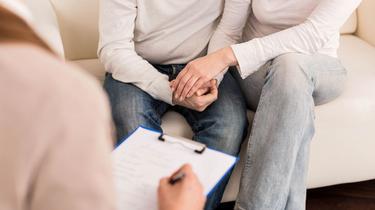 Couple, plaisirs solitaires, éducation sexuelle...Toutes les réponses d'un médecin sexologue