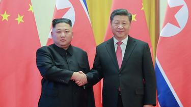 En visite d'État en Corée du Nord, Xi Jinping s'immisce dans le duo Kim-Trump