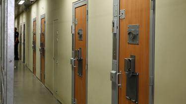 Les premiers détenus radicalisés sont arrivés à la prison de la Santé