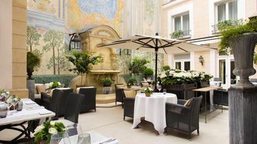 6 patios d'hôtels secrets à Paris