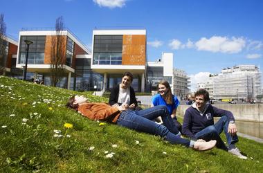 À l'université de Versailles Saint-Quentin, Chaque étudiant en médecine a un parrain ou une marraine. ©UVSQ
