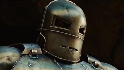 Tony Stark dans sa première armure.