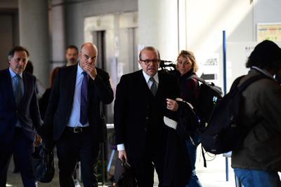 Hervé Témime, avocat de Laura Smet, n'a pas hésité à rire ouvertement aux arguments avancés par la partie adverse.