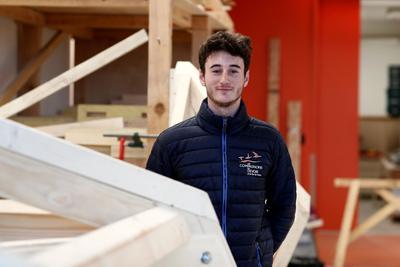 «Ce serait un accomplissement de pouvoir dire qu'on a participé à la création de Notre-Dame», explique Romain Legoubé, 18 ans.