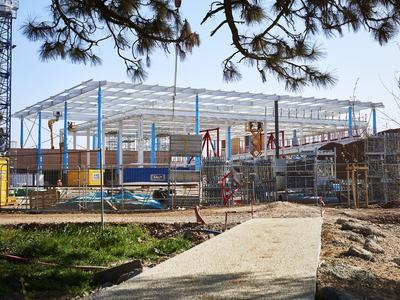 Nouvelle gare de Nîmes en construction
